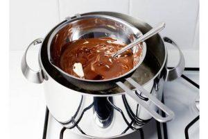 Benmari Usulü Çikolata Sosu Yapımı