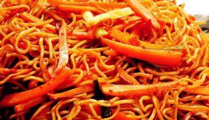 Havuçlu Soğanlı Noodle